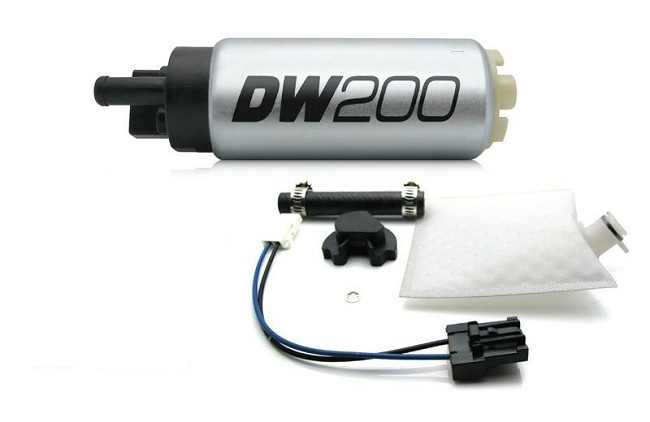 DeatschWerks DW200 (255lph) vysokotlaké palivové čerpadlo Mitsubishi EVO 6, 7, 8, 9
